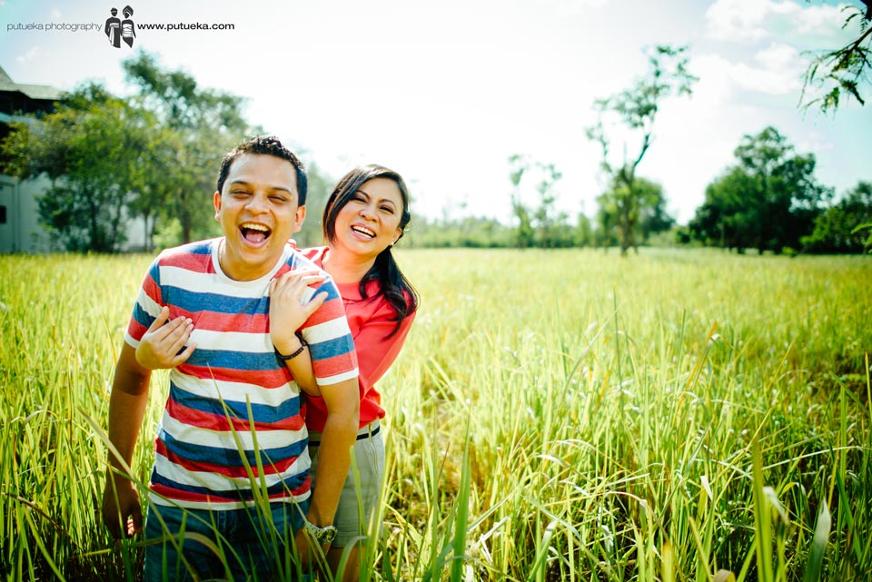 Happy laugh in the middle of grassland