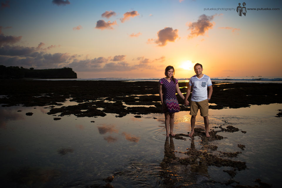 Couple sunset pre wedding