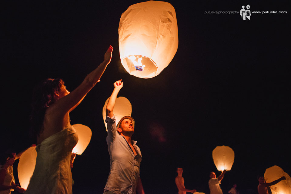 Camille and Perrick fly their flying lantern