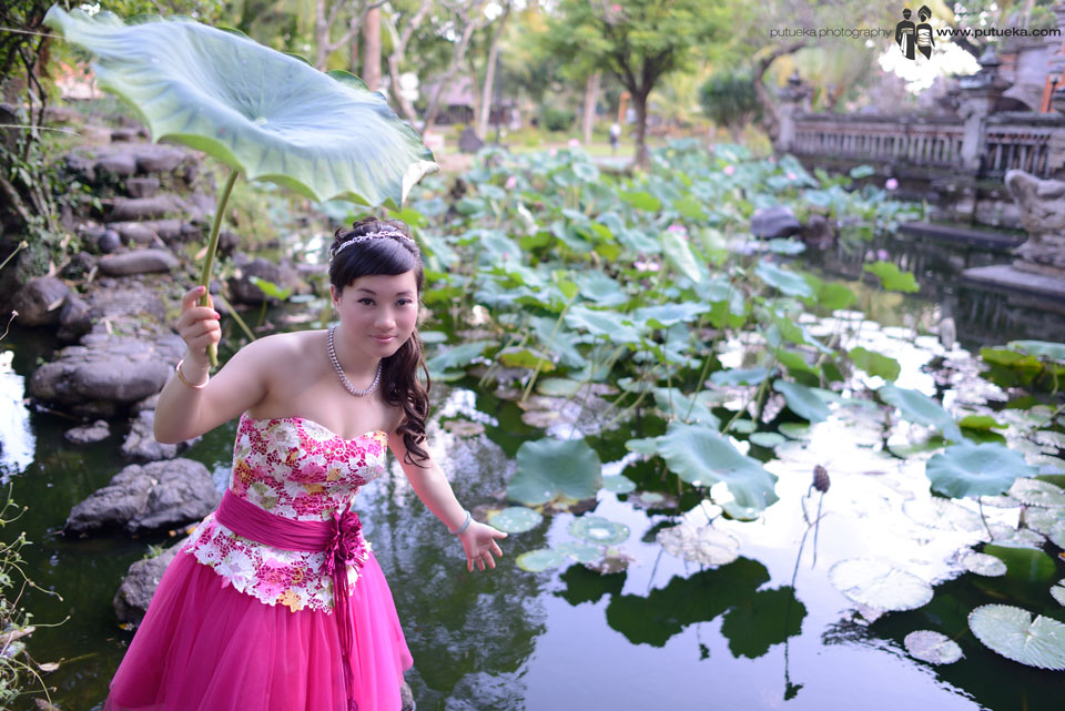 Ivy take some shoots in front of Bali Lotus pond