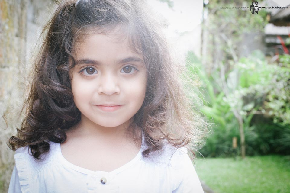 Gorgeous daughter with curly hair from Obaid family