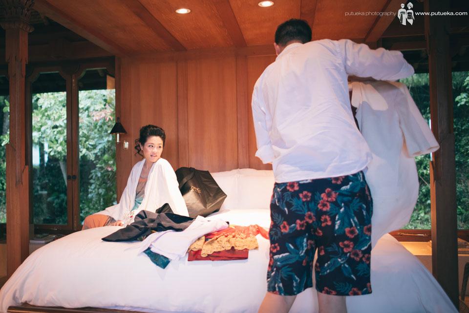 Boris preparing the suit while Jessie look to him