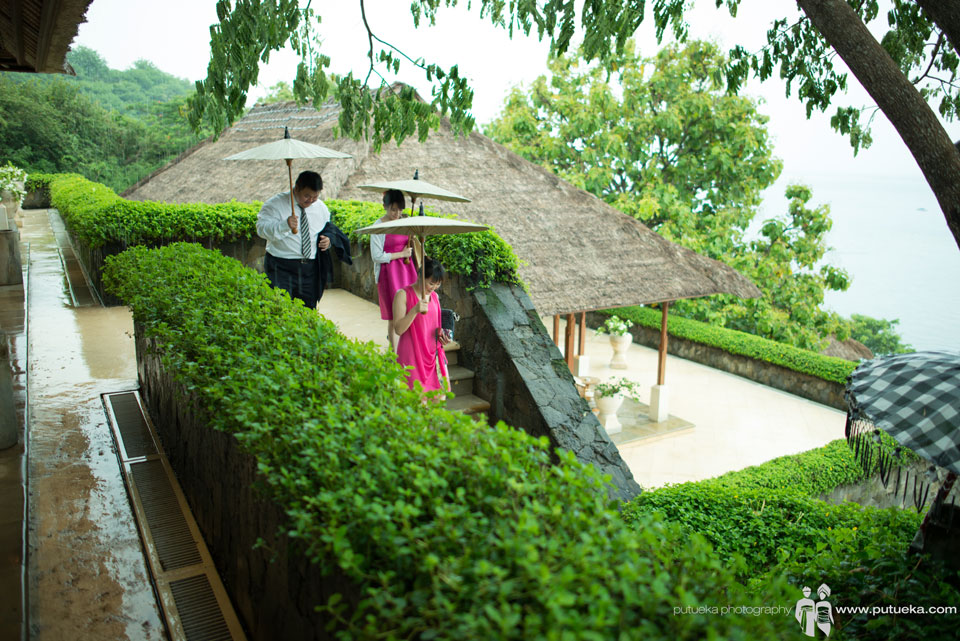 Walking down to wedding ceremony takes place