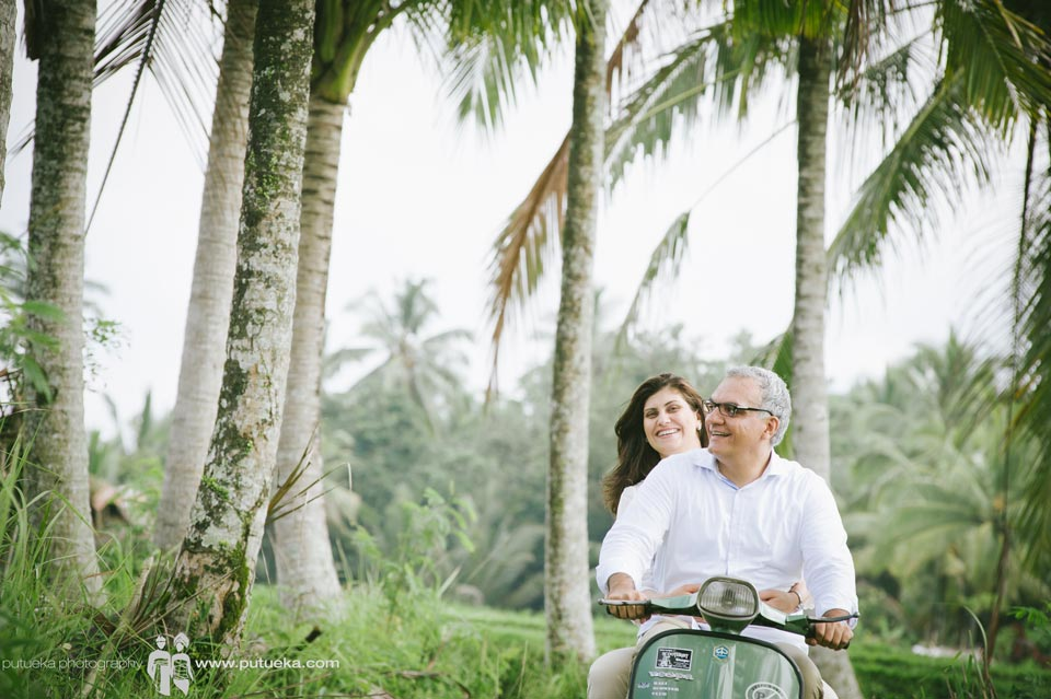 Hold me tight, green vespa will bring us back to Ubud Bali