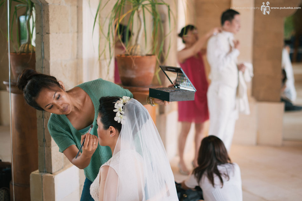 Preparation on last minutes before the wedding ceremony