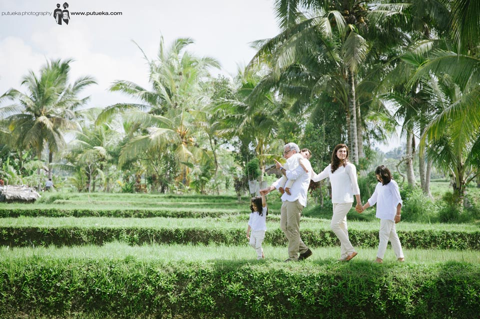 Unforgettable moment crossing rice fields in the morning