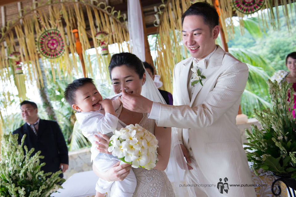 Ring bearer done his job with big smile