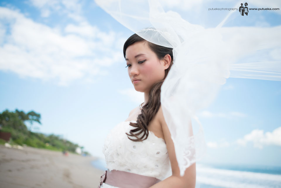Ivy veil's blows by Bali sea breeze