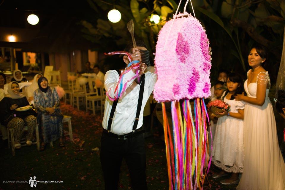 Hit hard the piñata