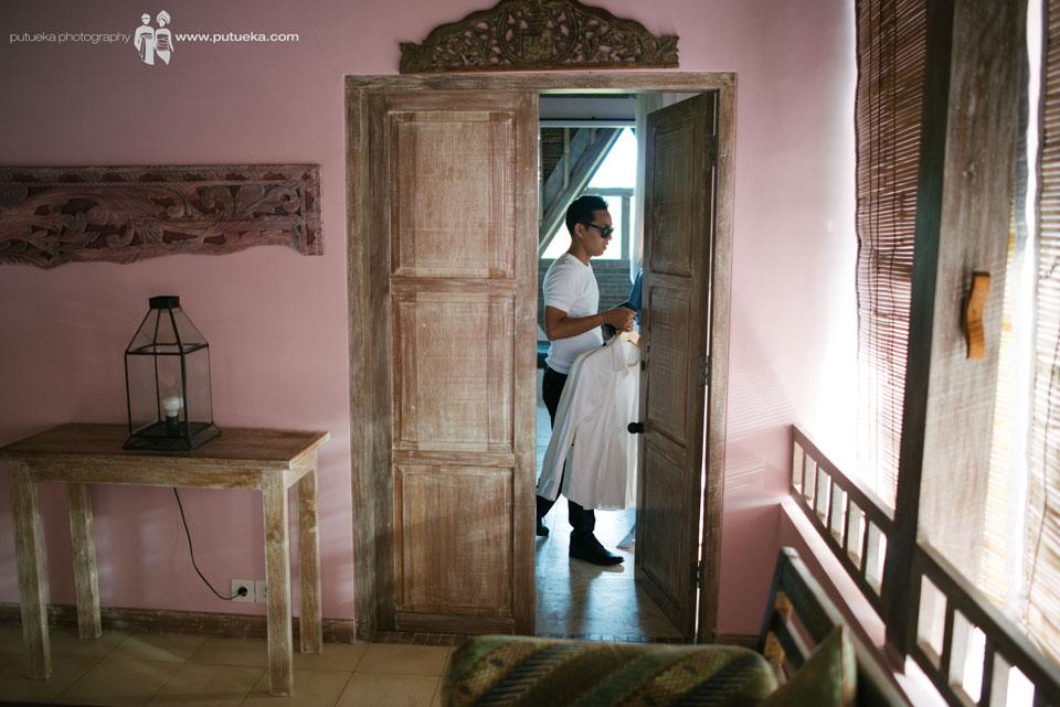 Hakim prepare the tuxedo for the wedding