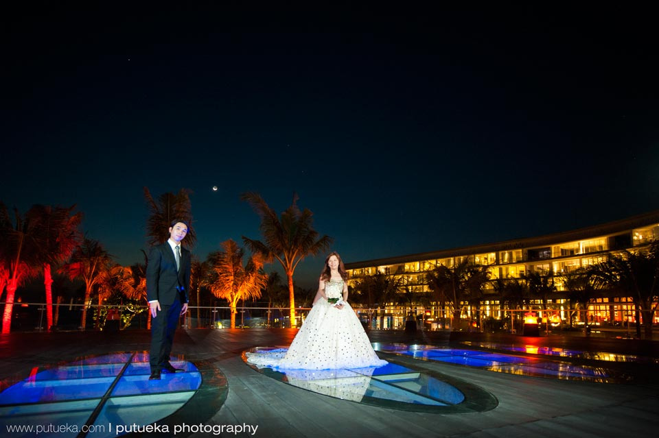 Night prewedding session inside W hotel Bali