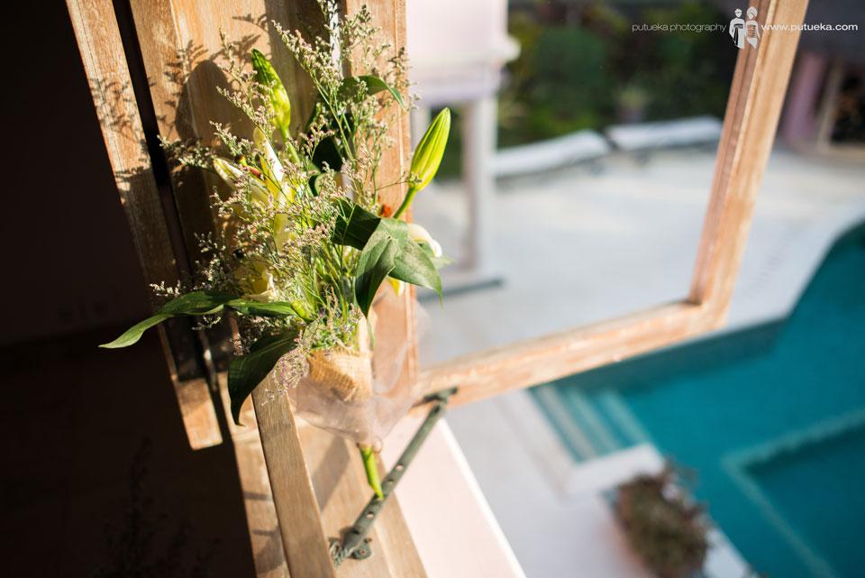 Hand bouquet on the master bedroom window