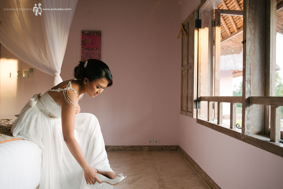 Ayu wearing the wedding shoes