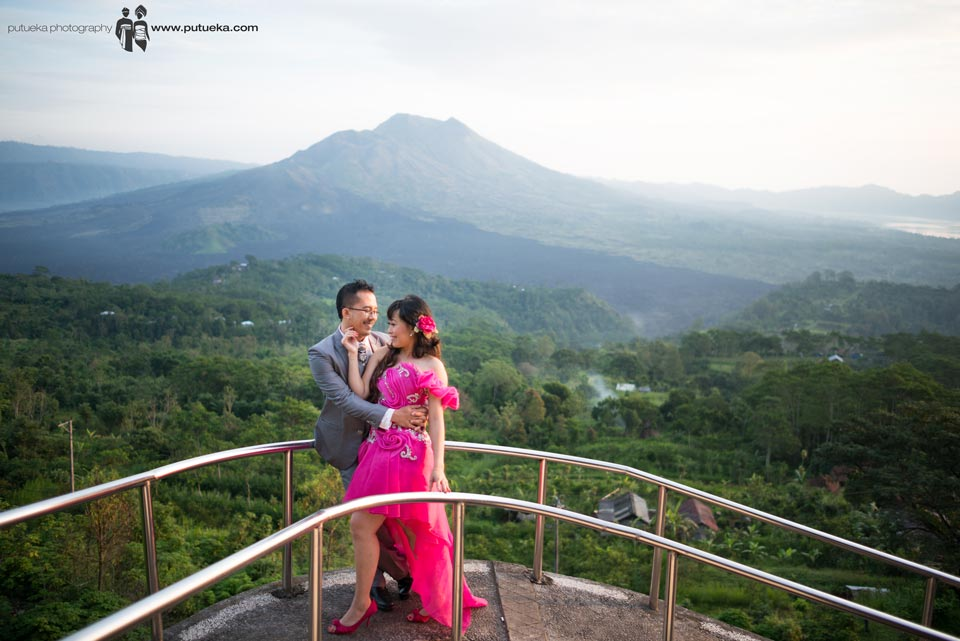 Holding my love with the breeze of Batur mountain