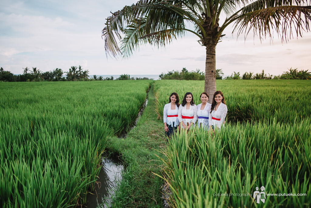 First experience being stand together in rice fields
