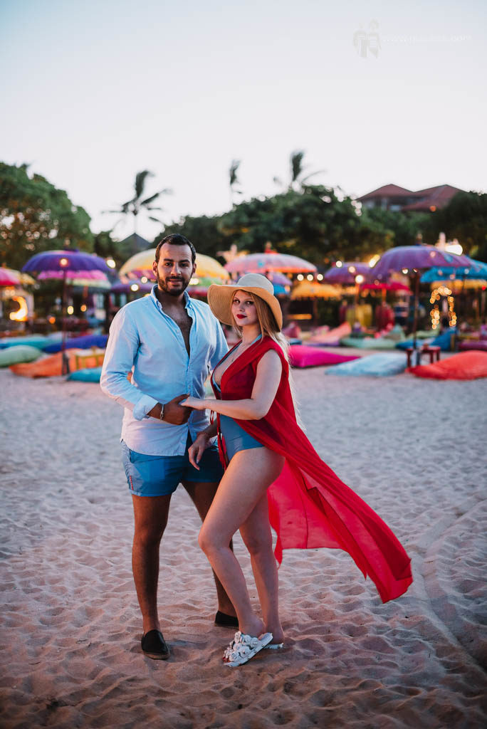 Enjoy sunset Nusa Dua Beach in honeymoon in bali photography session